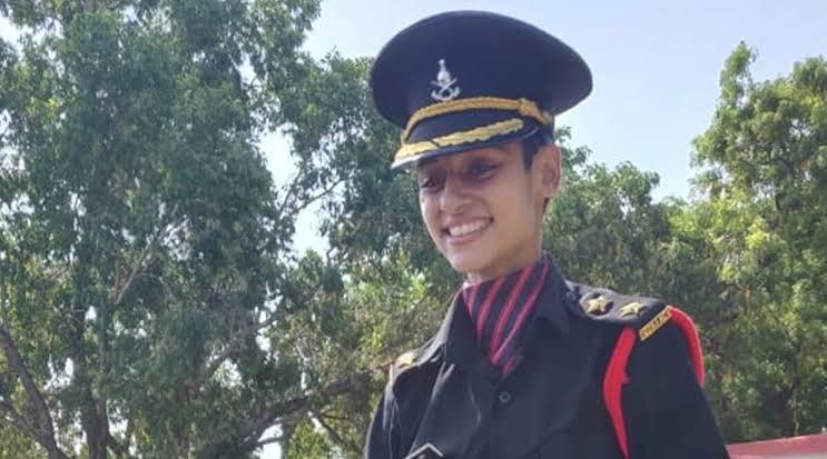 पुलवामा में शहीद हुए जवान की पत्नी सेना में भर्ती;