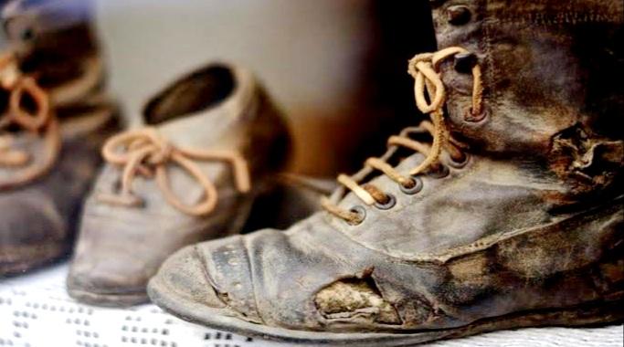 केवल 25 साल की उम्र में दो दोस्तों ने पुराने जूते चप्पल बेचकर खड़ी कर दी करोड़ों की कंपनी
